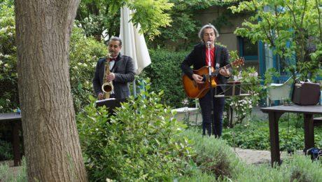 die Musiker Palmitess udn Erario spielen ein Konzert im Dr. Milded Scheel Haus